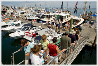 crowded docks at the MBHH show
